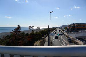 国道42号に架かる歩道橋(南牟婁郡御浜町阿田和)