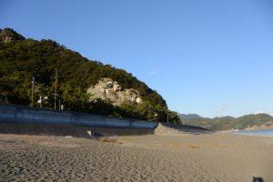 花の窟神社と七里御浜(熊野市有馬町)