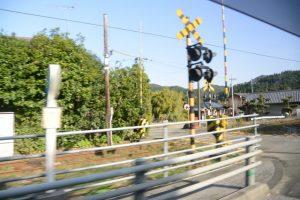 国道220号と並走するJR日南線