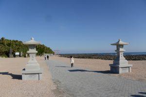 青島神社の参道