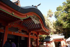 本殿から御成道へ(青島神社)