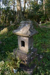 大塚神社付近の小祠(鹿児島県肝属郡東串良町新川西)