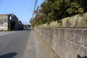 石積みの塀(鹿児島県肝属郡東串良町新川西)
