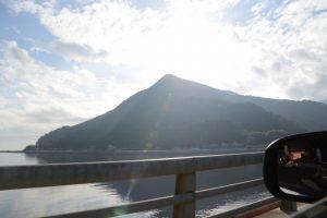 第二有明橋(肝属川)から望む権現山