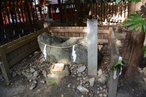 菅公御神石(船江上社)