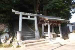 東側参道鳥居付近(田丸神社)