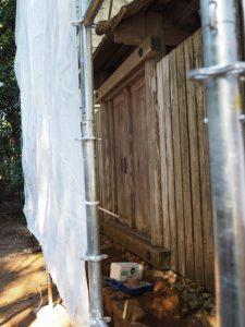 大修繕のために覆屋が掛けられた蚊野神社(皇大神宮 摂社)