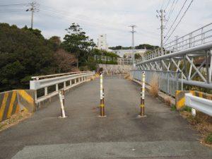 深谷水道に架かる深谷橋、車輌通行止
