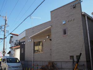 建物が建ち上がった伊勢船江郵便局