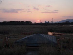 桜の渡し跡付近の日の出(宮川親水公園)