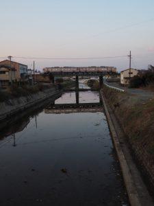 宮古橋(汁谷川)から望むJR参宮線