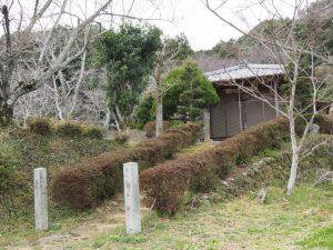 延命地蔵堂への階段(多気郡多気町朝柄)