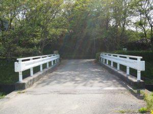 八王子川に架かる橋(多気町丹生)