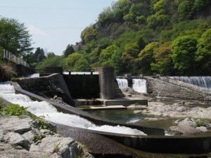 立梅用水の四代目井堰(櫛田川)