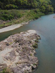 立梅用水の二代目井堰跡地付近(櫛田川)