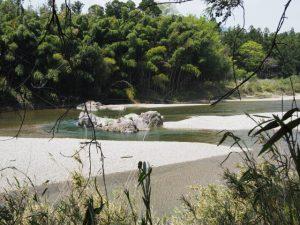 立梅用水の初代井堰跡地?(櫛田川)