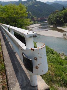 立梅橋から望む立梅用水の初代井堰跡地(櫛田川)