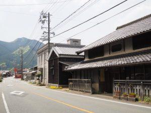 旧飯南郵便局局舎付近(松阪市飯南町横野)