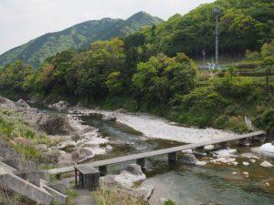 櫛田川の沈下橋(柿野小学校付近)