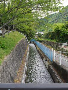 立梅用水(元丈の館付近)
