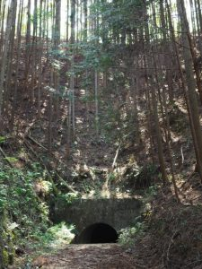 柳谷トンネル1出口(立梅用水)