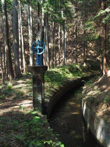 柳谷トンネル2入口(立梅用水)へ