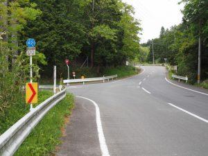 県道421号、古江交差点から丹生方向へ最初の三差路
