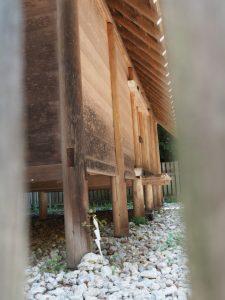 八尋殿(神麻続機殿神社)に立てられた榊