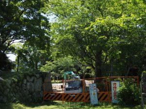 田丸城跡石垣の修復工事現場付近