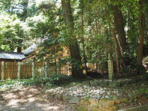 猿木神社跡の石標(飯野高宮神山神社)