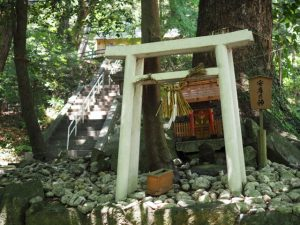 安産乃神(飯野高宮神山神社)