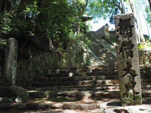 神山一乗寺の西坂(松阪市中万町)