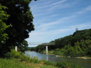 松阪市阿波曽町から望む櫛田川と水管橋