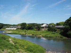 両郡橋から望む櫛田川の下流方向