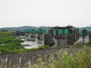 松阪側から望む櫛田祓川統合頭首工