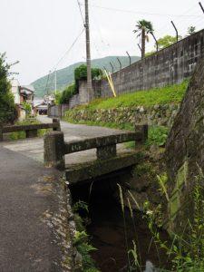 姫子橋からギャラリーいっぷくへ