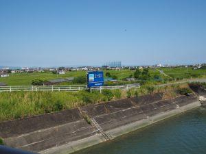 汐合大橋(五十鈴川)から望む一色町方向