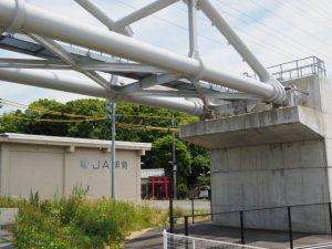 水管橋(勢田川)と橘神社の社叢(伊勢市黒瀬町)