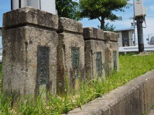清浄坊橋(勢田川)の旧親柱