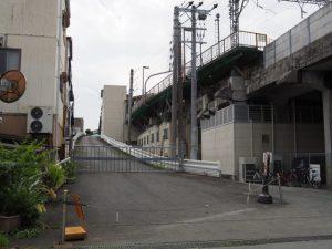 宇治山田駅 バス転車台への坂道