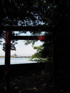 二見神社(姫宮稲荷神社)から五十鈴川へ