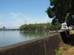 五十鈴川、二見神社(姫宮稲荷神社)付近