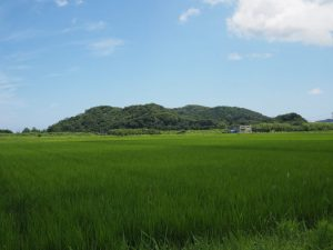JR参宮線内宮踏切〜近畿自然歩道の道標