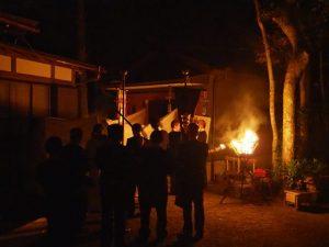 茜社の仮殿遷座祭(伊勢市豊川町)