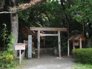 松下社(民話の駅 蘇民 横)