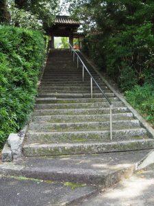 隠岡山寿厳院(伊勢市尾上町)