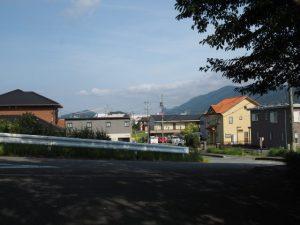 本誓寺(伊勢市久世戸町)から望む東方向