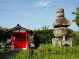 清丸稲荷神社と大五輪(おおごり)(伊勢市楠部町)