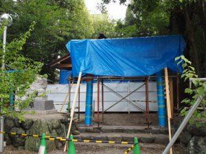 拝殿前に建てられた鳥居、須原大社(伊勢市一之木)