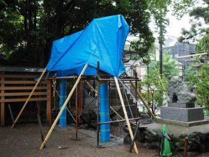 建て替えられた拝殿前の鳥居、須原大社(伊勢市一之木)